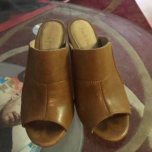 🌟HUSH PUPPIES BROWN LEATHER CLOGS
